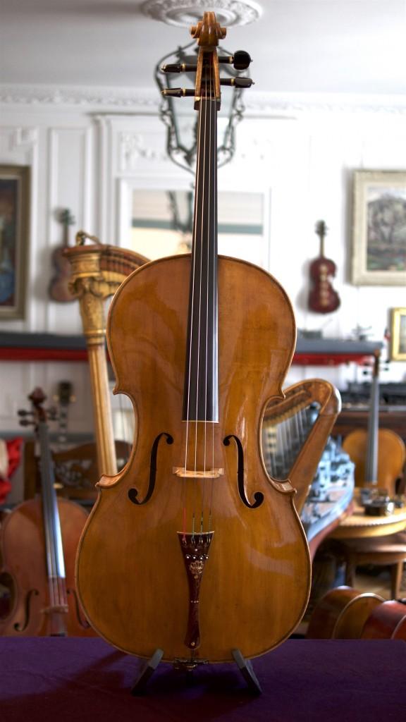 Cello-Luigi-Azzola-Face Cello Collection